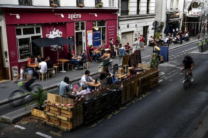 A Paris, les terrasses éphémères vont devenir une solution permanente